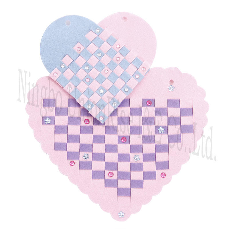 Make Your Own Felt Woven Hearts